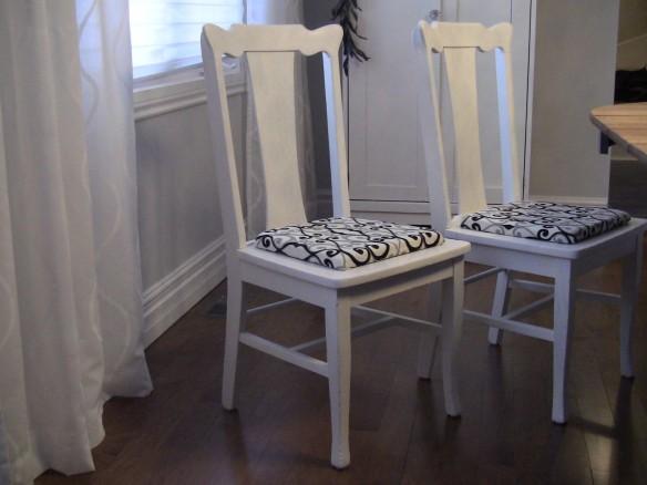 Chaise en bois antique moderne - Création Aube design