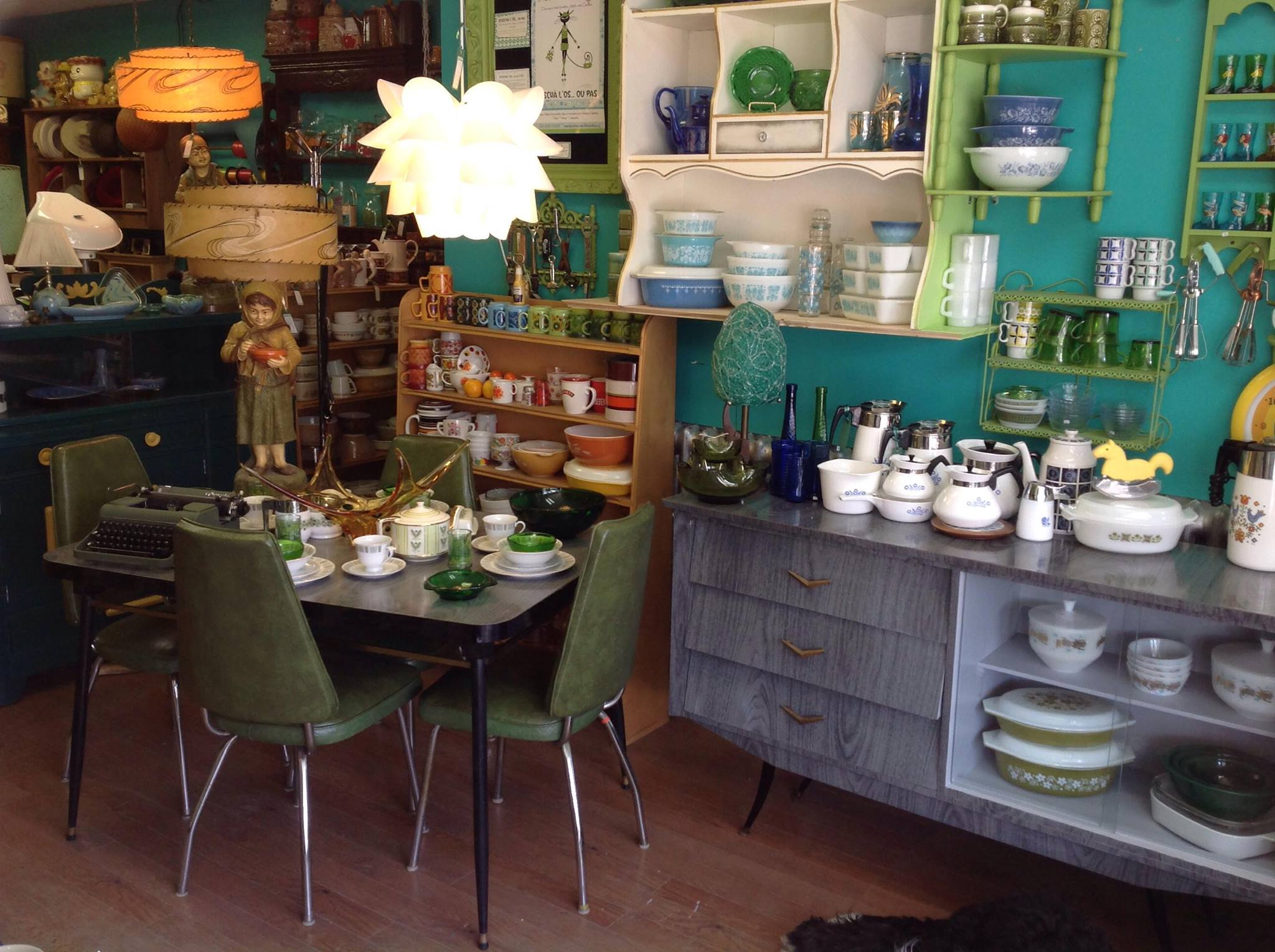 Boutique vintage blogue cr ations aube design for Boutique de meuble montreal