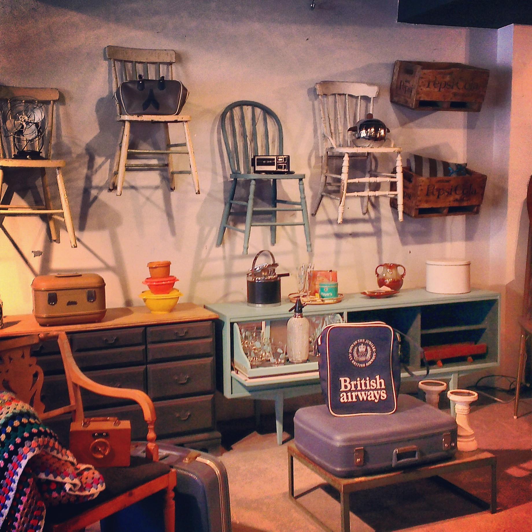 o d nicher de la d co vintage montr al. Black Bedroom Furniture Sets. Home Design Ideas