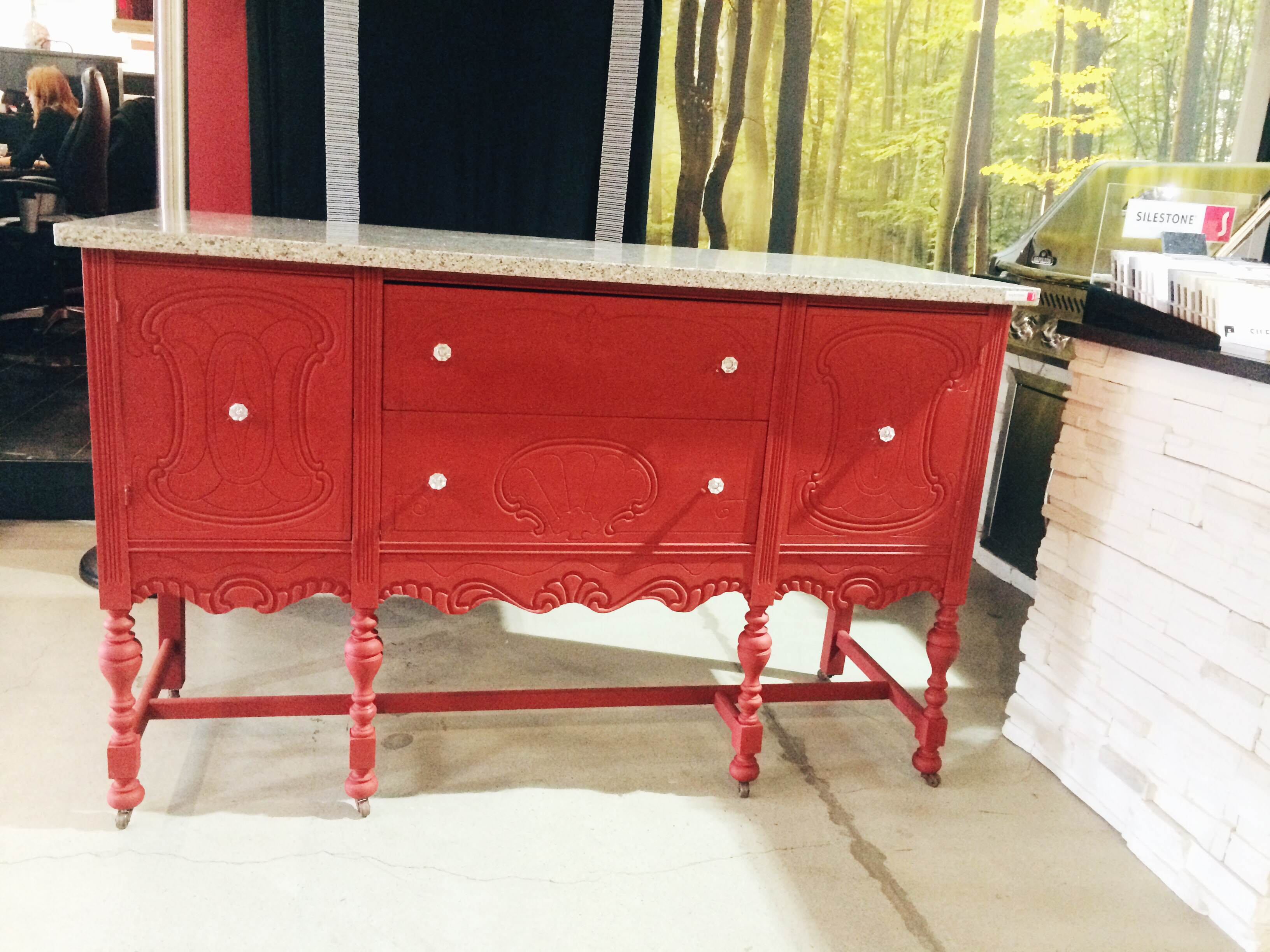 commode rouge blogue cr ations aube design. Black Bedroom Furniture Sets. Home Design Ideas