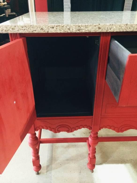 îlot de cuisine rouge