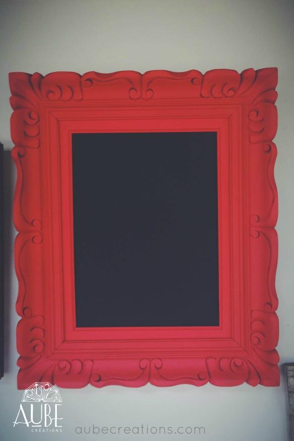 cadre rouge tableau