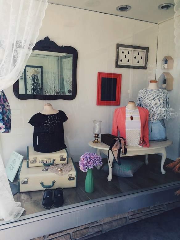 Vitrine Vintage - Création Aube design pour Boutique La penderie