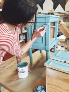 Atelier Apportez Votre meuble avec Aube design et la Chalk paint Annie Sloan